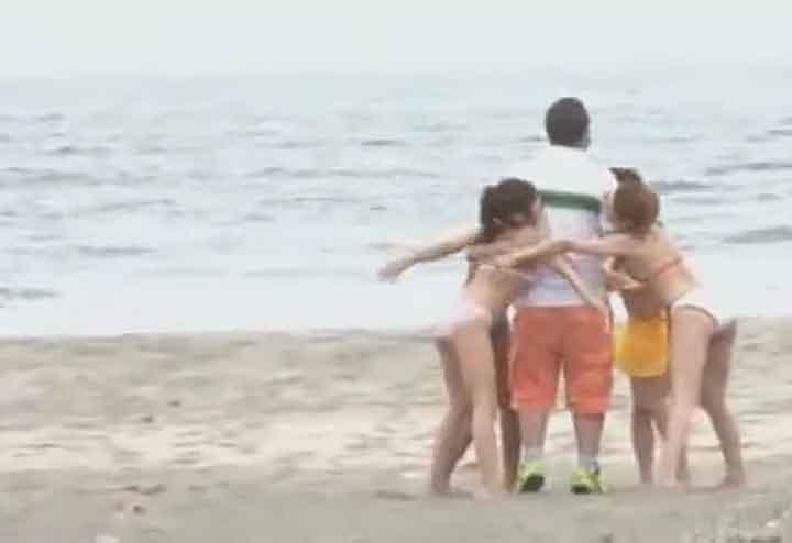 痴女集団が海で逆ナンパ(マジックミラー号)