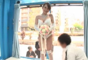 結婚式直後に不倫する人妻(マジックミラー号)