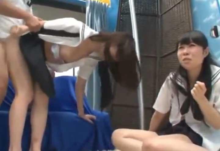 痴漢再現でセックスまでさせられる女(マジックミラー号)